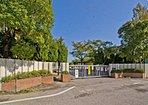 【周辺環境】学区の武里西小学校は約750m(徒歩10分)・ 中野中学校まで約350m(徒歩5分)・スーパーバリューまで約450m(徒歩6分)で買物も便利