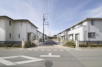 デザイナーズ仕様の建売分譲住宅に、おしゃれな家具をお付けいたします。