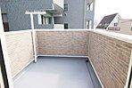 屋上バルコニー:開放感のある屋上バルコニーは、ちょっと自慢したくなる広さ。洗濯物を干すだけではなく、夜空の観察にも