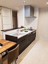 IH・食洗機そして食器棚を装備したキッチン