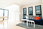 シンプルモダンの内装。自分だけの特別な空間、思わず人を呼びたくなるような家を創りあげます。