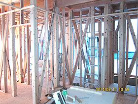 柱と筋交いの多さで強靭さが解る安心・安全な耐震強化の木造工法