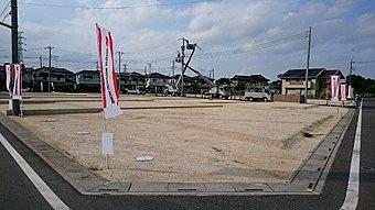 17区画の中規模分譲地◆整備された街並みと道路で、ご近所づきあいも安心。
