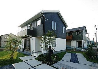 No.2 家具付モデルハウス!!モデルハウス期間終了につき、使用した家具を付けて販売致します。ご見学も可能ですので、ぜひ実際に建物を見て・触れて・体感してください♪