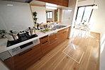 【キッチン】人気のカウンタータイプのキッチン
