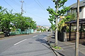 メイン通りからは琵琶湖を望む