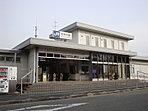 最寄駅「JR北伊丹駅」まで約8分の好立地。坂道もなく、通勤通学に便利。