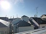 バルコニーからの眺望 前面には高層住宅がございませんので大変良好な見晴らしです。