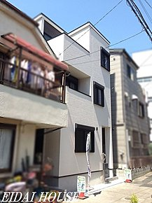 外観◆スタイリッシュなデザインの外観!充実の設備!外壁は雨で汚れを落とすセルフクリーニング機能で建物綺麗に保ちやすいです!是非実際にご覧になってみてください!【H28.6月撮影】