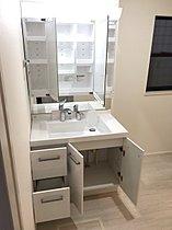 ◆身支度しやすくたっぷり収納の洗面化粧台!洗面周りスッキリ!