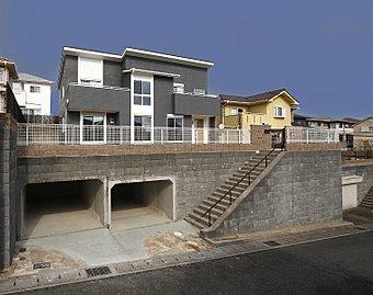 南向き6m公道舗装有駐車場3台即入居可能