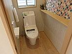 【モデルハウス公開中】◆3号モデル◆木目調の壁紙に、色鮮やかなタイル風の壁紙をプラスワン。とても可愛いお手洗い。