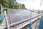 現地写真 区画1。太陽光発電パネル200w×45枚=9.0kw パネルが南南西に向いており発電効率が抜群「年間予測発電金額」が約24万円になります。家計の負担が軽減されます。