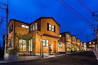 45棟が織りなす暖かな光が包む街~ソラーナ新百合ヶ丘 (2016年10月撮影)