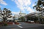 病院や公園、学校が徒歩15分圏内にあり、教育環境の整った閑静な住宅地です。(写真は富田林病院)