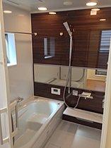 浴室。暖房付きなので冬場も暖か。洗濯物も乾かせます。