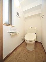 ウォシュレット機能付の高機能トイレ