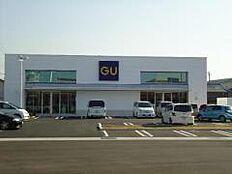ジーユー加古川駅前店 約490m