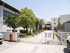 播磨町立播磨中学校まで1500m