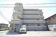 タイル張り平成14年築のRC造マンション。
