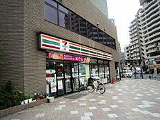 コンビニエンスストアセブンイレブン西巣鴨駅前店まで489m