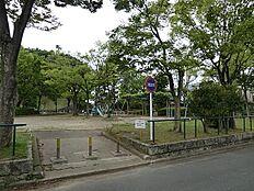 公園 約701m