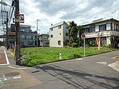 前面道路含む現地外観:平成28年9月9日撮影