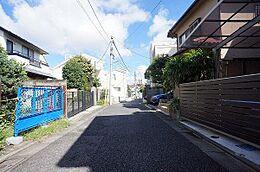 前面道路東方向(H28.8月撮影)