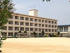 播磨南中学校(約1750m)