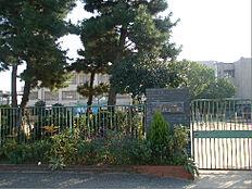 西宮市立鳴尾北小学校(720m)