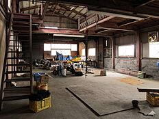 鉄骨造の倉庫