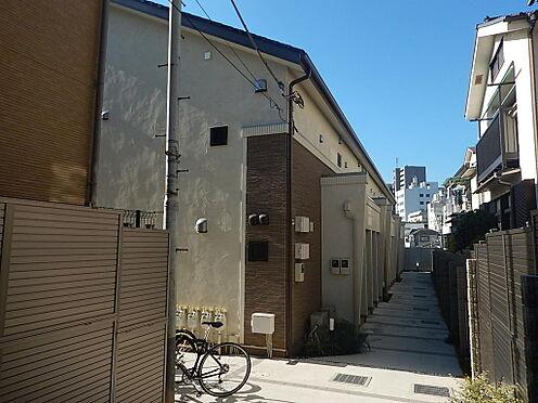 アパート-新宿区若葉1丁目 入口部分です。