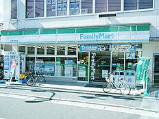 ファミリーマート JR網干駅前店 420m