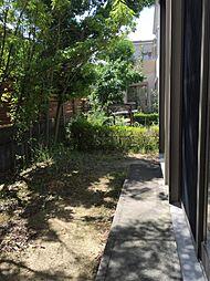 南側にはお庭があります夏はプールやBBQが楽しめますね