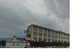 小学校貴志南小学校まで1025m
