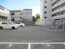 阪急園田駅徒歩15分。建築条件無しの土地です。