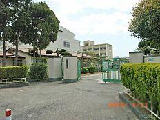 歌敷山中学校