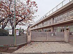 小学校東久留米市第三小学校まで324m