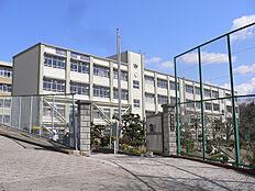 伊川谷中学校