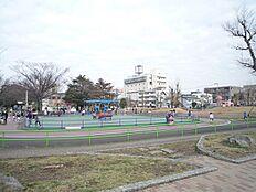 萩中公園:徒歩2分
