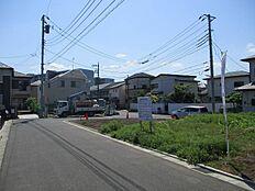 接道は人気の南道路です。