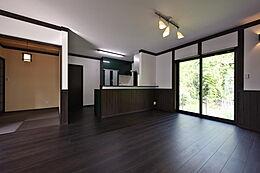 秋山住研 施工例 弊社モデルハウス 深呼吸する家 に遊びに来て下さい。
