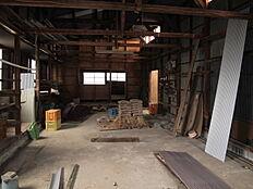 木造の作業場