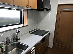 独立型キッチンなので、匂いがリビングに行きにくいです