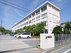 加古川市立神吉中学校まで1200m