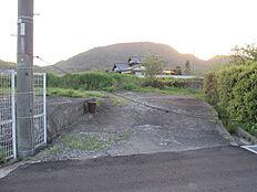 前面道路よりの進入口