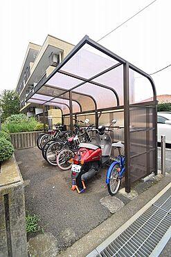 マンション(建物全部)-松戸市新松戸北1丁目 入居者に嬉しい屋根付き駐輪場。