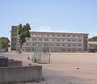 神野小学校…約240m