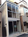 「高円寺」駅徒歩3分の好立地です。
