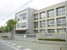 東神吉小学校 約370m